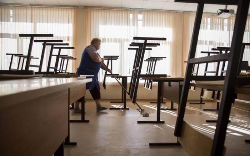 Страйк вчителів у Вроцлаві: педагоги масово беруть лікарняні звільнення
