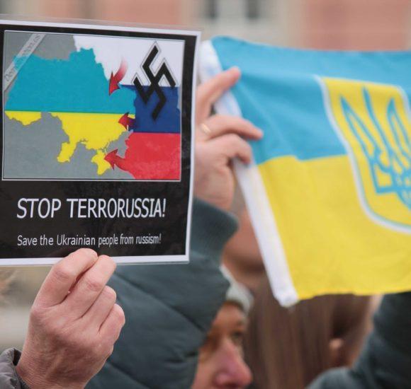 Своїх не зрікаємося: У Вроцлаві українці вийшли на акцію підтримки військовополонених моряків (ФОТО+ВІДЕО)