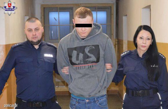 У Польщі чоловік мало не поплатився життям за те, що обхляпав  людей на зупинці болотом з калюжі