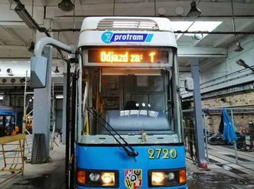 Громадський транспорт Вроцлава оснащено у зовнішнє інформаційне електронне табло