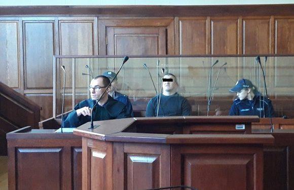Нападник у Нижній Сілезії кинувся на поліціянтів з сокирою. Тепер сидітиме довічно