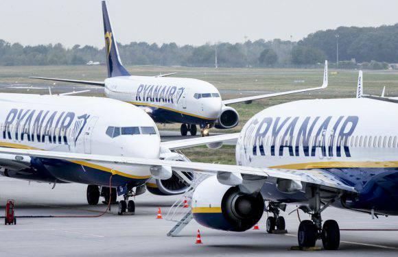 Ryanair розпродує квитки до Дня закоханих (дешеві авіаперельоти Польща — Україна)