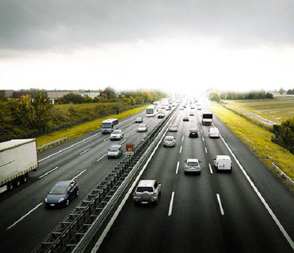 На Вроцлавській автостраді зіткнулося 16 автівок, троє поранених