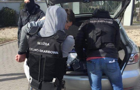 Польські прикордонники затримали українця, який  на перепродажі сигарет хотів заробити понад 100 тисяч злотих