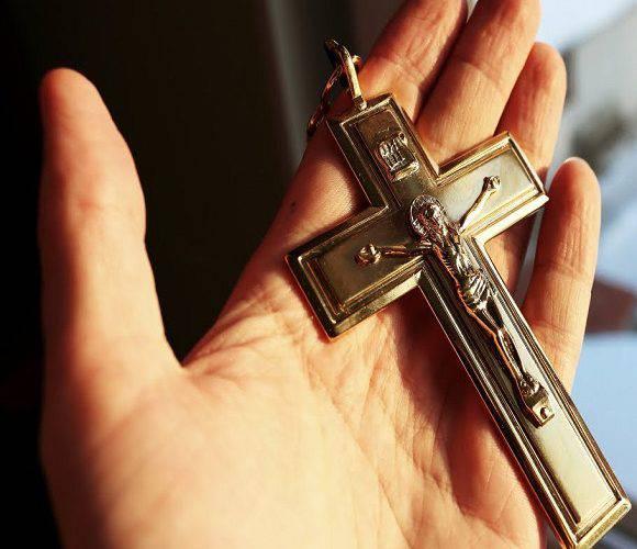 В Болеславці затримали злодія з хрестом у руках