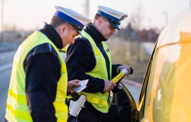 У Польщі видаватимуть водійські права нового зразка