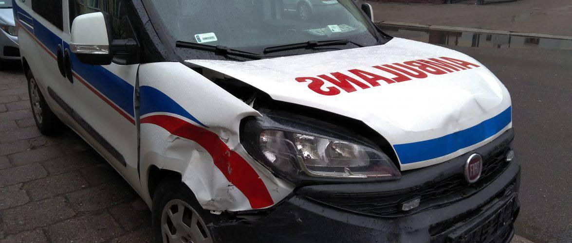 Во Вроцлаве карета скорой помощи протаранила 5 машин