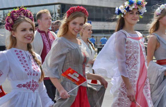 Вслід за українцями в Польщу масово виїжджають білоруси