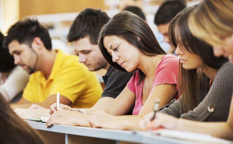 Університет бізнесу у Вроцлаві запрошує на навчання