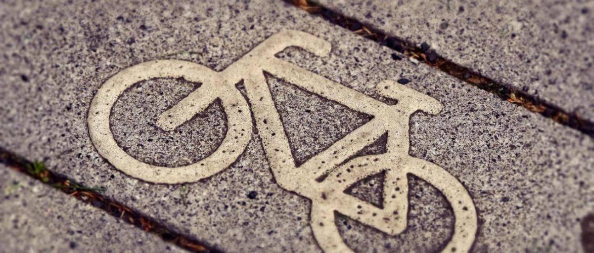 У Польщі до нового сезону підготували понад 8,6 тисяч паркувальних велосипедних стійок