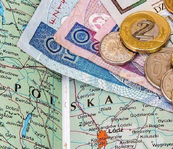 Польський уряд пропонує зміни: мінімальна зарплата — 2450 злотих, і 16 злотих за годину