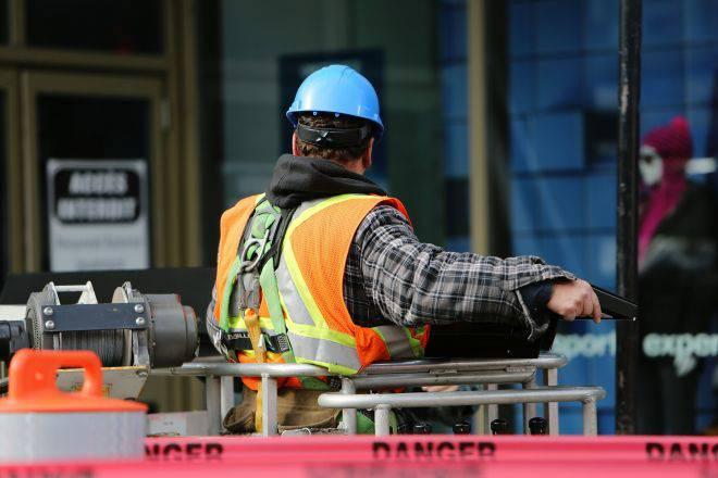 У ВРУ зареєстровано новий законопроект щодо трудових мігрантів