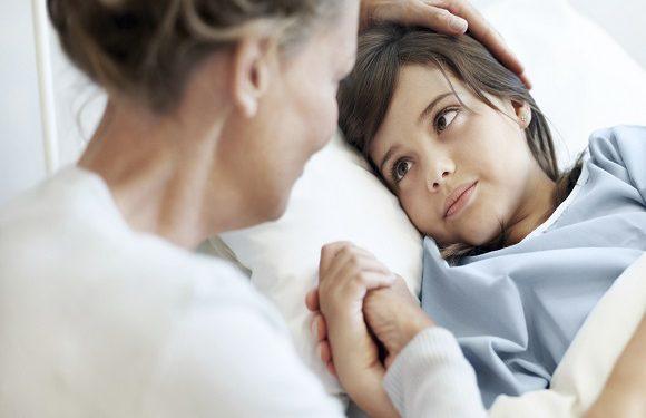 Польща: батьки, які залишаються в лікарні з дітьми, не будуть платити грошей