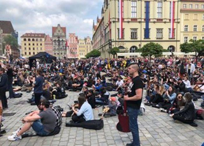 У Вроцлаві кілька тисяч гітаристів хочуть встановити новий рекорд Гіннеса