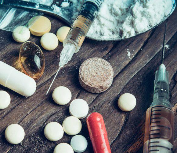 У Нижній Сілезії судять двох чоловіків, які виготовляли наркотики за рецептом з інтернету