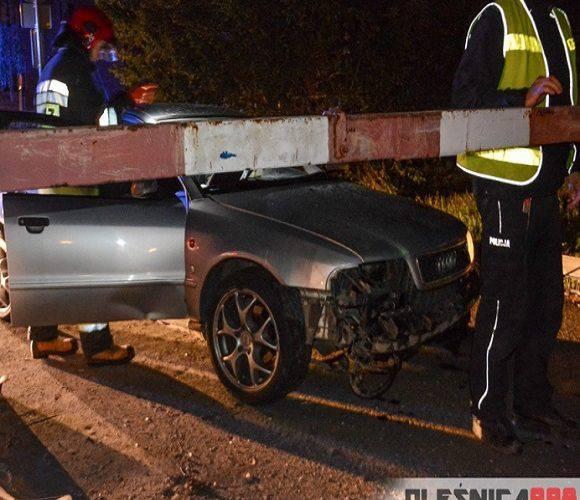 П'яний водій в Олесниці протаранив шлагбаум і ледь не загинув