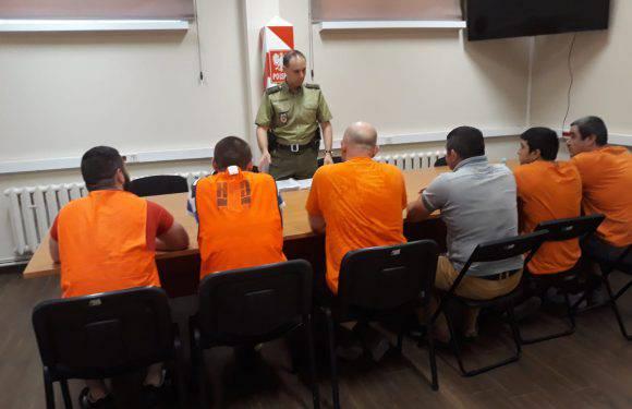 У Польщі затримали групу грузинів та українців, які нелегально працювали на цегельному заводі