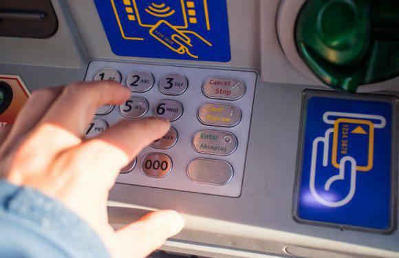 Українці можуть перераховувати гроші на Батьківщину без необхідності відкривати банківський рахунок та без кредитної картки