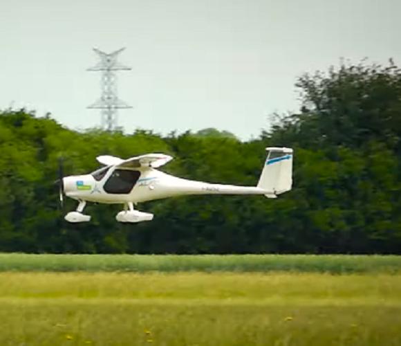 У Вроцлаві відбувся перший політ електричного літака [+ВІДЕО]