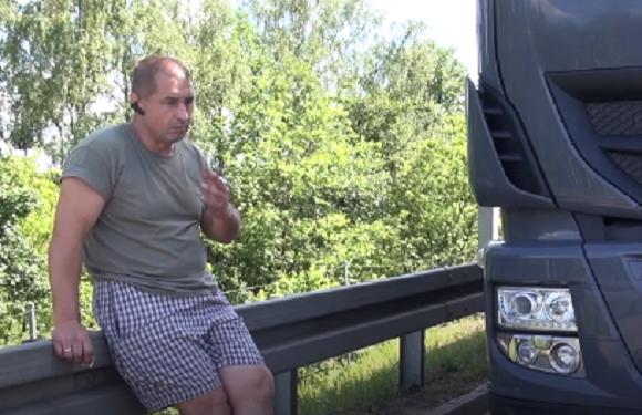 Українець, який став свідком дтп в Польщі, ризикуючи життям, врятував кількох людей [+ВІДЕО]