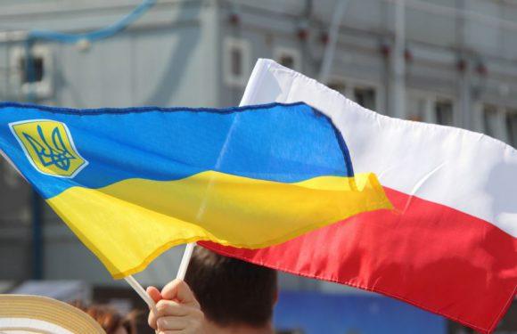 У Польщі озвучили число українців, які отримали дозвіл на проживання