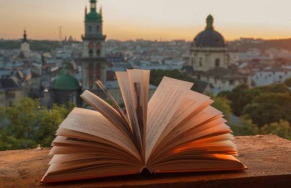 Польські письменники читають свої твори на літературному фестивалі  у Львові