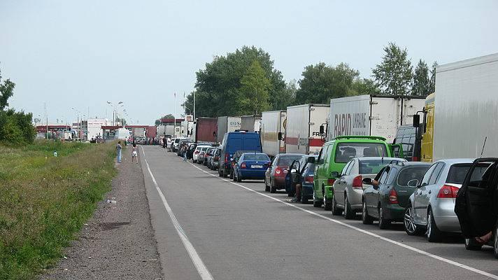 В Україні планують запровадити електронну реєстрацію для зменшення черг на кордоні