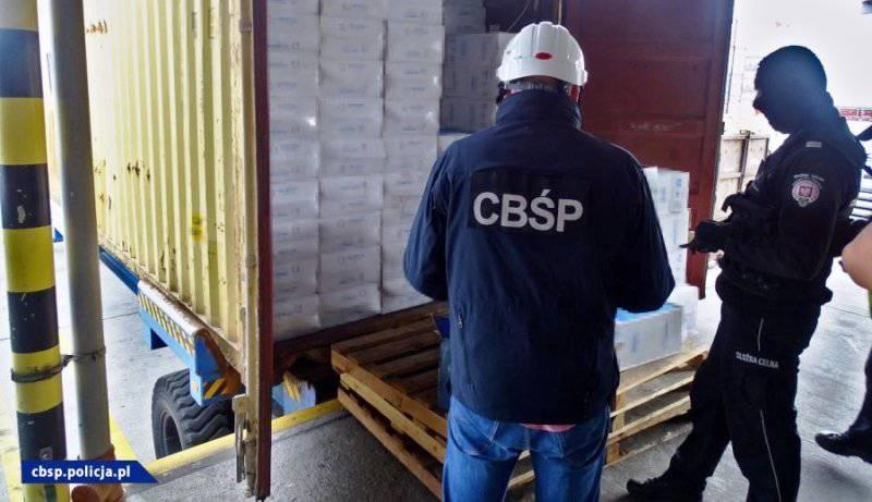 У порту Ґданська вилучили контрабанду  цигарок з Китаю на суму  2,5 млн євро. Вантаж мав прибути в Україну