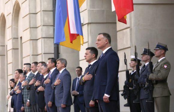 У Президентському палаці, у Варшаві, відбулася  прес-конференція президентів Польщі Анджея Дуди та України Володимира Зеленського