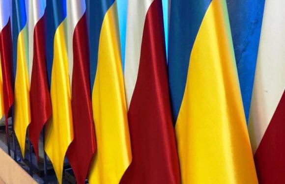 «З усіма за одну поїздку поспілкуватися нереально», — відповів Зеленський  на відкритий лист української діаспори