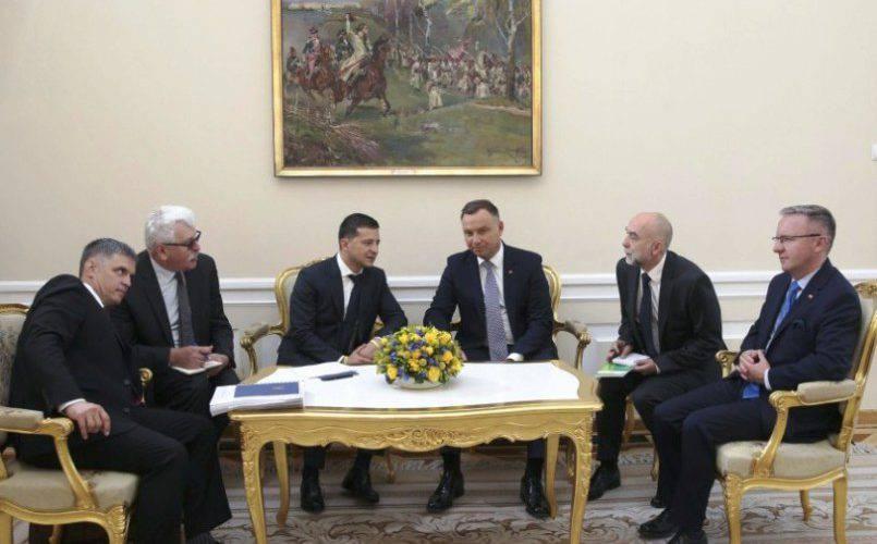 Сьогодні, 31 серпня, президент України Володимир Зеленський  прибув з дводенним офіційним візитом до Польщі