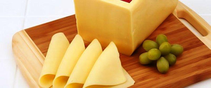 ГІС застерігає: виявлено та частково вилучено з ринку дві партії сиру, зараженого небезпечною бактерією
