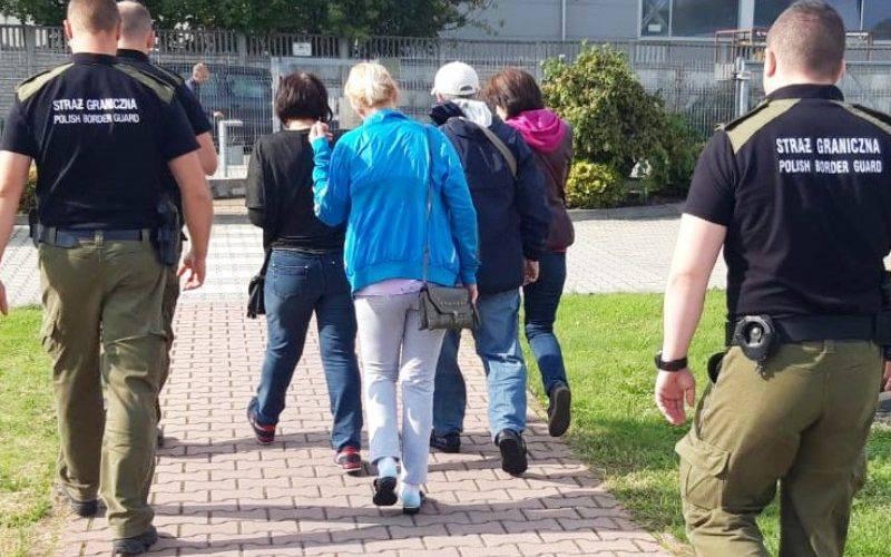 Працевлаштовуючись у Польщі через агенції-посередники, не соромтеся  їх перевірити