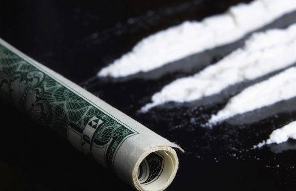 Під Вроцлавом водій дав поліцейським права… разом з наркотиками
