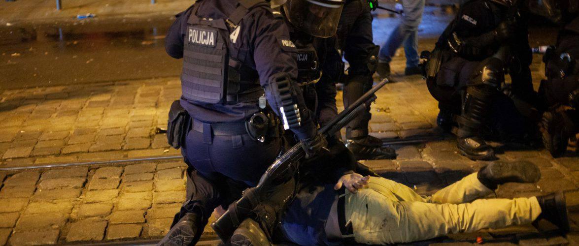 У Вроцлаві поліція з водометами та сльозогінним газом розігнала Марш Незалежності (ФОТО, +ВІДЕО)