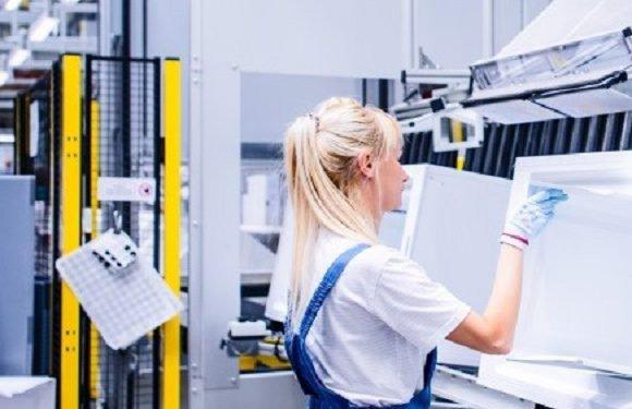 «Bosch» та «Siemens» розпочали виробляти у Вроцлаві нові холодильники