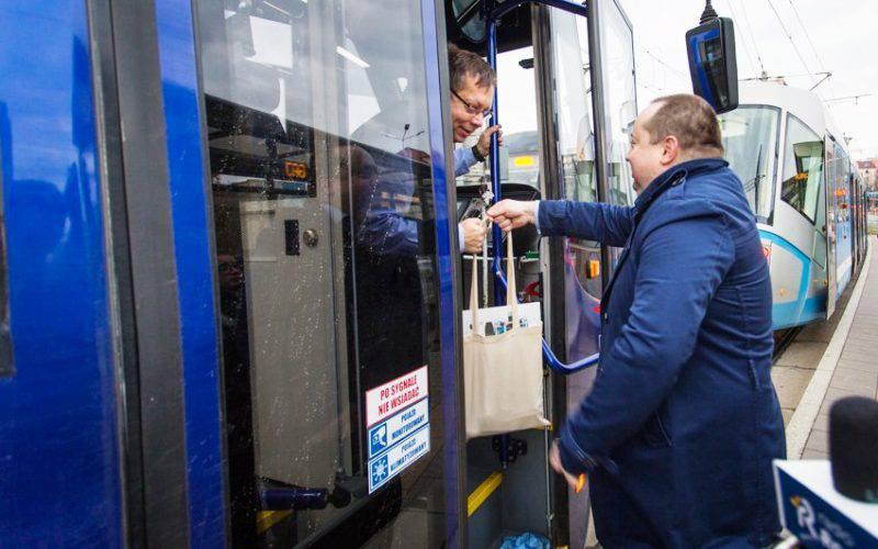 Святі Миколаї — у трамваях Вроцлава
