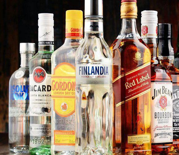 Поради від митників: як проїхати з алкоголем через кордон