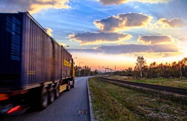 Водій вантажівки порушив правила робочого часу  та   «приховав» 200 км дороги. Це коштувало йому 10000 злотих!
