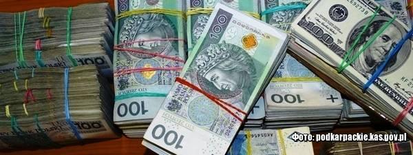 У Корчові затримали українця з великою сумою коштів