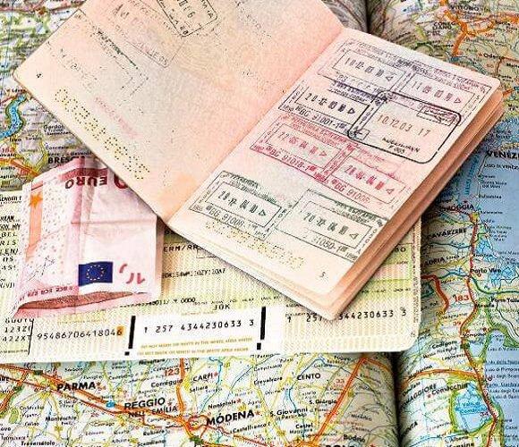 Що означають відмітки у закордонному паспорті? Давайте розберемось!