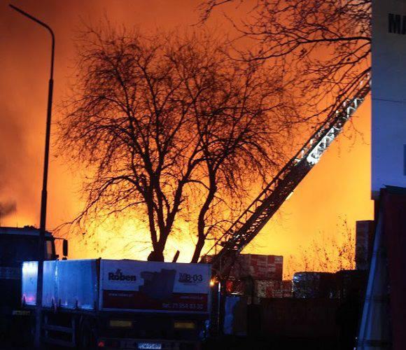 У Польщі в одному з будинків вибухнув газ: під завалами може бути 8 осіб [+ФОТО]