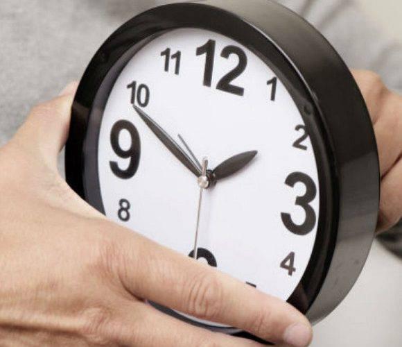 Коли в Польщі переводять годинники на літній час?
