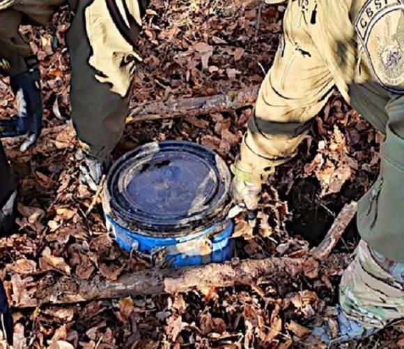 В Ополе затримали 2-х чоловіків, які виготовляли наркотики: бочку з амфетаміном ховали у лісі