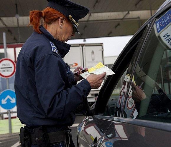 Ретельні перевірки на кордоні: Польща дедалі частіше відмовляє українцям у в'їзді до країни