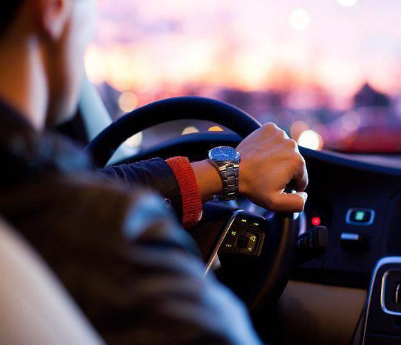 До уваги водіїв: синоптики попереджають про ожеледицю на польських дорогах