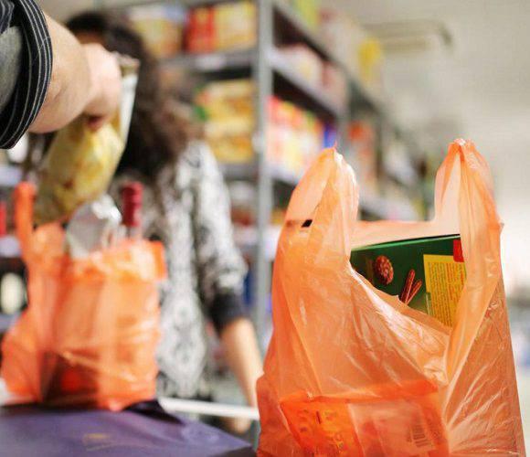 У Нижній Сілезії заборонили використання поліетиленових пакетів