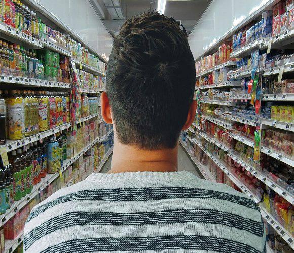 В Польщі чоловік поцупив з супермаркету візок з шоколадками, тепер сяде на 7 років