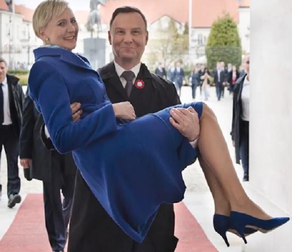 Анджей Дуда святкує 25-ліття подружнього життя: проглянь це романтичне відео!