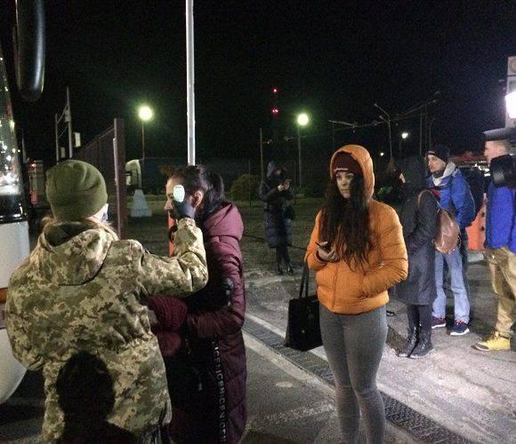Прикордонна служба на польсько-українському кордоні допомогла 3,4 тис. українцям повернутися додому